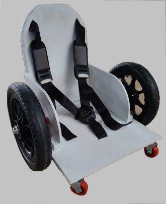 כיסא עם גלגלים לילדים